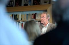 Groupe scolaire - Hôtel de ville - Justice de paix - Svenska: Litteraturprofessor Hans H. Skei vid ett evenmang om Nordiska rådets litteraturpris i Oslo 2011-04-11.