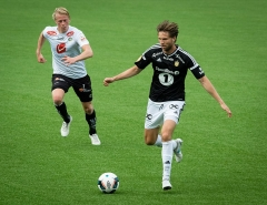 Fontaine de l'Hôtel de Ville - English: Eirik Schulze (left) and Marius Lundemo, Sogndal-Rosenborg 07-15-2017.