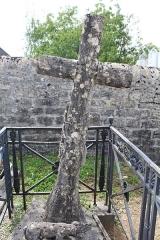 Monument funéraire du chasseur Marin Gousset, situé dans le cimetière - Français:   Monument funéraire du chasseur Marin Gousset, cimetière de Lons-le-Saunier.