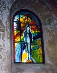 Eglise du Geou dite Notre-Dame des Cyclistes -   Auteur: Daniel Le Roy  Description: Photo du vitrail prise par l\'auteur en l\'an 2000