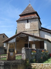 Eglise Saint-Candide - Français:   Bougue (Landes), église et balise Compostelle
