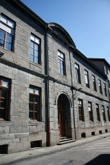 Hôpital de la Charité - English:  The building of the Old Charity, next to the chapel.