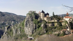 Château de Cornillon - English:  The castle keep is taken on the old medieval dungeon, which stood at the end of the rocky outcrop on which the castle is built.