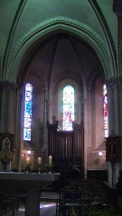 Eglise Saint-Jacques de Pirmil - English: Altar and organ of Saint-Jacques-de-Pirmil, Nantes