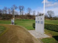 Monument aux fusillés - Quelques stèles en hommage aux fusillés.