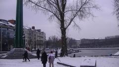 Monument aux Cinquante Otages - English: Snow at the Monument aux 50-Otages, Nantes, February 5, 2012