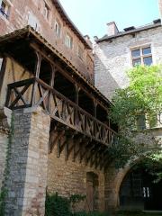 Site archéologique du dolmen des Aguals ou de la Combe de l'Ours - Cahors - Hôtel de Roaldès ( maison dite de Henri IV) - Galerie sur cour