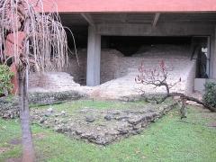 Vestiges de l'amphithéâtre romain -  Vestiges du théâtre gallo-romain, Cahors