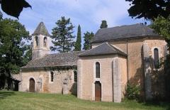 Eglise Saint-Cyr et Sainte-Julitte, ancienne chapelle du château de la Pannonie - English: Vue depuis la place du château