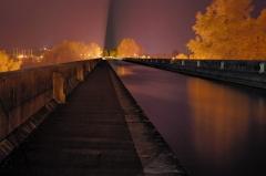 Pont-canal d'Agen sur la Garonne (également sur commune du Passage) -  Pont canal d'agen de nuit