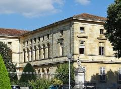 Hôpital Saint-Cyr - Français:   Villeneuve-sur-Lot - Hôpital Saint-Cyr - Aile en retour
