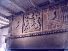 Manoir de la Madeleine -   Ferme de la Madeleine, Beaumont-Hague -  Tablier. Armes des Jallot de Beaumont