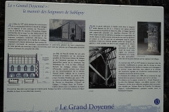 Demeure dite le Doyenné - Français:   Panneau descriptif du Grand Doyenné d\'Avranches