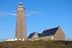 Phare du Cap Lévi - Deutsch: Der Phare du Cap Lévi ist ein Leuchtturm an der französischen Kanalküste im Département Manche.