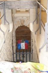 Château de Sept-Saulx - Chapelle de Dormans, crypte.