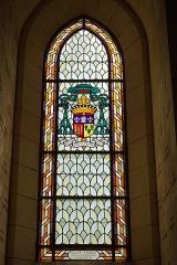 Château de Sept-Saulx - vitrail dans la chapelle basse du mémorial de Dormans.