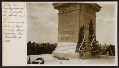 Colonne commémorative de Montmirail -  Fête du centenaire de la bataille de Montmirail (1814).  Le monument.