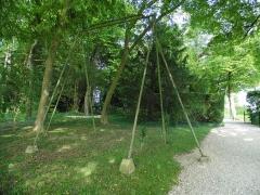 Maison dite la Boisserie - Français:   Balançoire dans le parc de La Boisserie, à Colombey-les-Deux-Églises