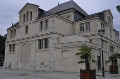 Théâtre municipal -  Saint Dizier. Théâtre à l'italienne, place Aristide Briand.  Inscription aux monuments historiques en 2007.