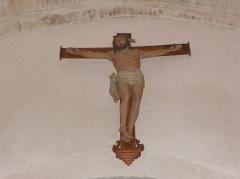 Eglise Saint-Martin - Français:   Église Saint-Martin de Châtillon-sur-Colmont (53). Crucifix au haut de la nef.