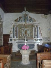 Eglise Saint-Martin - Français:   Autel et retable du Rosaire de l\'église Saint-Martin de Châtillon-sur-Colmont (53).