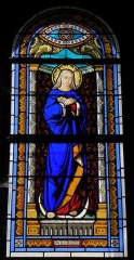 Eglise Saint-Martin - Français:   Vitrail de l\'église Saint-Martin de Châtillon-sur-Colmont (53). Immaculée Conception. Costale sud de la nef.