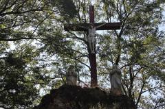 Eglise paroissiale de la Nativité de la Vierge dite Basilique Notre-Dame-de-Sion et ancien couvent des Tiercelins de Sion - Français:   Calvaire
