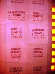 Ossuaire de Douaumont - English: Names on walls Douaumont