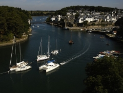 Le vieux pont suspendu - Deutsch: Bono, Morbihan, Verbindung zum golfe du morbihan
