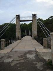 Le vieux pont suspendu -  Vieux Pont, Le Bono, Morbihan, Bretagne, France. Old suspension bridge in fr:Le Bono.