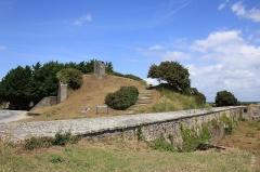 Fortifications de la ville : Bastion 17 dit Le Papegaut -  Bastion Le Papegaut à Port-Louis, Morbihan, France