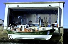 Station de sauvetage en mer de la commune d'Etel, sise dans l'extrémité sud du quai sur la rivière d'Etel - Français:   Mise à l\'eau du Patron Emile Daniel