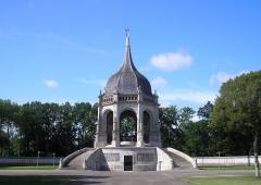 Mémorial des Bretons morts pour la France pendant la Première guerre mondiale -  Sainte-Anne-d'Auray (Bretagne, France). Le Mémorial.