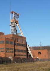 Carreau minier Vuillemin-Wendel - Deutsch: Schachtgerüst Wendel 1 (noch mit Förderseil).