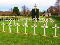 Nécropole de Chambière - English: cimetière militaire de Chambières à Metz tombes Italiennes