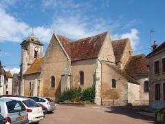 Eglise Saint-Sulpice - Français:   Église Saint-Sulpice d\'Entrains-sur-Nohain (Nièvre, France)