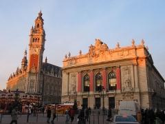 Opéra de Lille - Lille (France), l'Opéra (1914-1923) et le beffroi de la chambre de commerce (1910-1921) - Architecte: Louis Marie Cordonnier.
