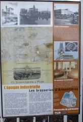 Ancienne malterie et ancienne brasserie Motte-Cordonnier - Panneau informant l'historique de l'ancienne brasserie Motte Cordonnier à Armentières  Nord, France