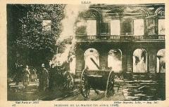 Hôtel de ville - Français:   Incendie de la mairie de Lille, le 21 avril 1916.