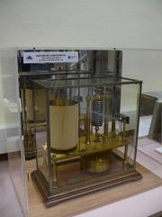 Observatoire de l'Institut de mathématiques appliquées et d'astronomie - English: Barometer at Lille observatory (Nord, France).