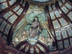 Eglise Saint-Martin -  Arnèke (Nord, France), église St Martin, sommet du retable du maître-autel.