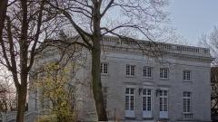 Château dit de l'Abbaye et parc de l'ancienne abbaye de Cysoing - Château de l'Abbaye construit sur le site de l'Abbaye Sainte-Calixte, après sa destruction