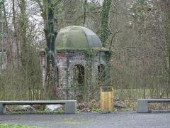 Château dit de l'Abbaye et parc de l'ancienne abbaye de Cysoing -  La chapelle sur île du domaine de l' Abbaye Sainte-Calixte Cysoing Nord.-France
