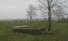 Base de lancement de V 1 du Bois des Huit Rues (également sur commune de Morbecque) - English: Base de lancement de V1 - Wallon-Cappel - Bunker de tir