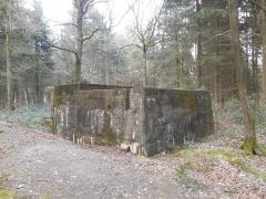 Base de lancement de V 1 du Bois des Huit Rues (également sur commune de Morbecque) - English: Base de lancement de V1 - Wallon-Cappel - Station de pompage