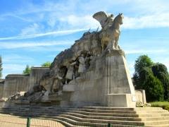Monuments aux morts dit Monument de la Victoire - Français:   Le monument au morts situé à Tourcoing.