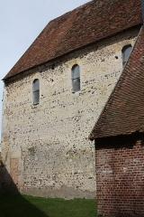 Eglise Saint-Aubin - Français:   Guignecourt - Eglise Saint-Aubin, mur Sud.