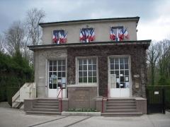 Clairière de l'Armistice - Dansk: Bygningen, som rummer jernbanevognen fra våbenstilstands-underskrivelserne i 1918 og 1940. 22. april 2012.