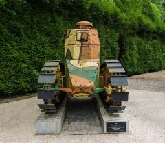 Clairière de l'Armistice - Char Renault FT17 (1918), vu de face, Clairière de l'Armistice, Rethondes, Oise.