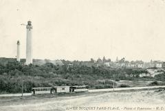 Phare de la Canche - Français:   Le Touquet-Paris-Plage - CP - Le tramway devant les deux phares